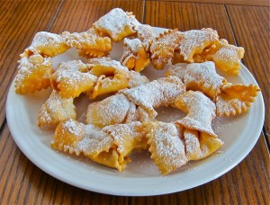 Bow Ties? Wandi? Cenci? Bugia? Delicate fried sweet ribbons